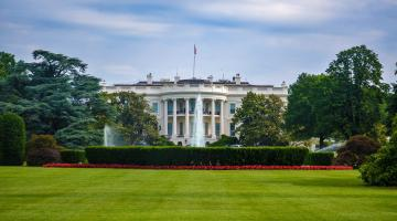 The whitehouse from the south lawn